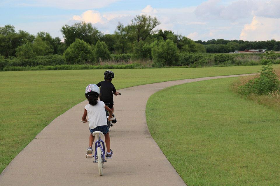 summer club childrens bike lessons