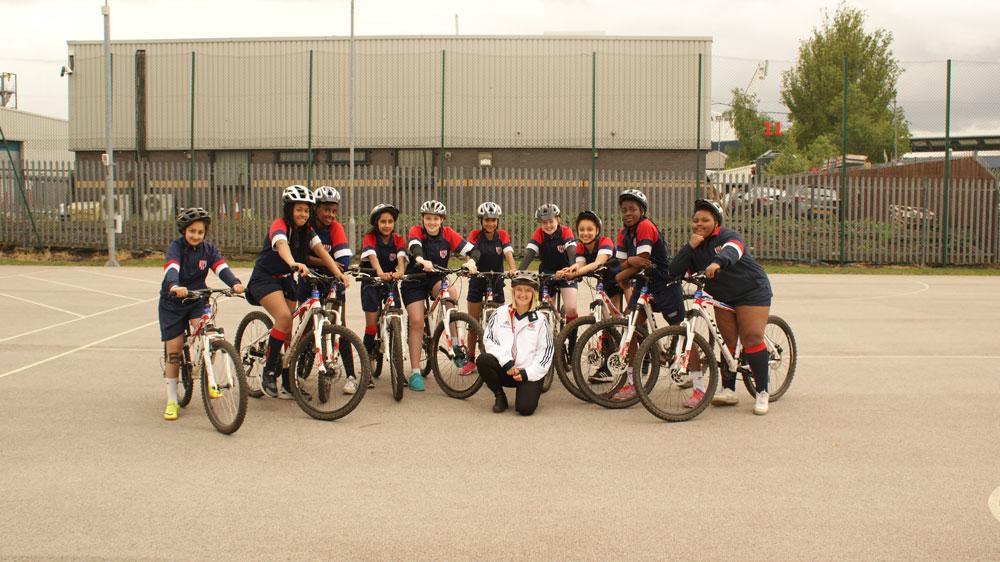 girls group bike lesson - big bike revival